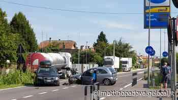 Conselve, cinque feriti nello scontro tra due auto - Il Mattino di Padova