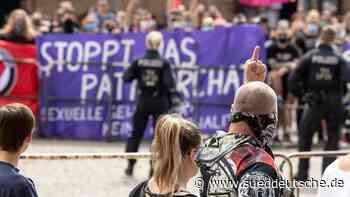 Bis zu 120 Teilnehmer bei Kundgebung gegen sexuelle Gewalt - Süddeutsche Zeitung