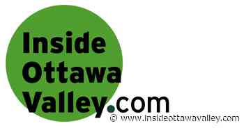 Junior-A Wolves gather in pack outside Renfrew hockey rink - Ottawa Valley News