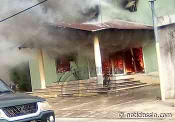 Se registra incendio en local comercial en La Otra Banda, Higüey - Noticias SIN - Servicios Informativos Nacionales