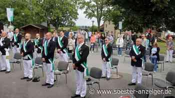 Die Schützen in Ense-Sieveringen feierten eine Schützenmesse - soester-anzeiger.de