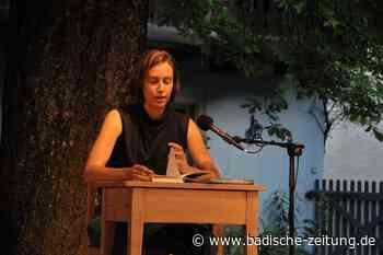 Theater im Hof Riedlingen startet mit Lesung in die Sommersaison - Kandern - Badische Zeitung