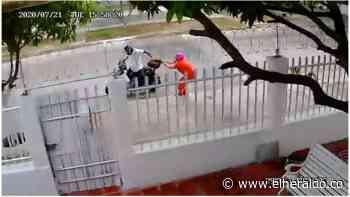 En video | ¡Qué valiente! Mujer se enfrenta a un ladrón en Bellavista - EL HERALDO