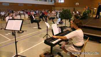 Oberding Realschule Zeugnisübergabe Alle 49 Schüler haben Mittlere Reife geschafft - Merkur.de