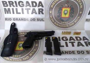 Notícias | Notícias: individuo-armado-ameaca-pedestres-em-getulio-vargas - Jornal Bom Dia