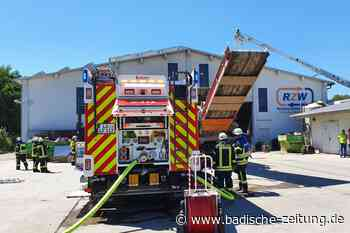 Feuerwehr löscht Brand im Recyclingzentrum Wiesental in Steinen - Steinen - Badische Zeitung