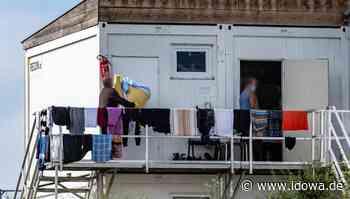 Mamming - Mamminger stehen Schlange für Corona-Tests - idowa