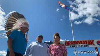 Opaskwayak Cree Nation raises own Pride flag for 1st time, challenges others to do the same