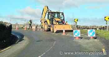 Warning lights delay safety work at Killarney Bridge - Kilkenny People