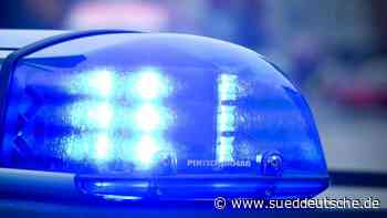 Motorradfahrer erschreckt sich vor Blitzer und stürzt - Süddeutsche Zeitung
