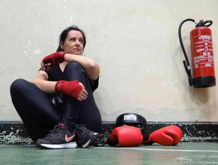 Hoe overeind te krabbelen na een 'uppercut': journaliste Eva (41) leert ons om veerkrachtig te zijn in pittige tijden