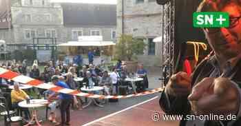 Stadthagen: Zauberer Desimo tritt im Schlosshof auf - Schaumburger Nachrichten