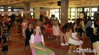 Marathon-Zeugnisvergabe an Sophie-Scholl-Realschule Weiden - Onetz.de