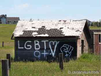 Airdrie LGBTQ+ community comes together after hateful graffiti - Calgary Sun