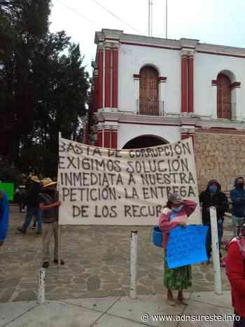 Marchan 14 autoridades auxiliares de Tlaxiaco para exigir entrega de recursos (16:30 h) - ADNl sureste