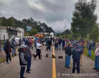 Bloquean pobladores carretera contra edil de Tlaxiaco - www.nssoaxaca.com