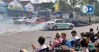 Gefährliche Nähe bei Stuntshow in Celle: Corona-Abstandsregeln missachtet - Cellesche Zeitung