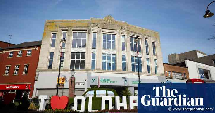 Oldham takes measures to avoid full coronavirus lockdown