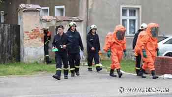 Polizei findet bei Drogeneinsatz verdächtige Flüssigkeiten - rbb-online.de