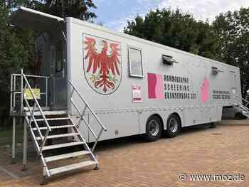 Vorsorge: Medizinbus findet keinen Parkplatz in Birkenwerder - Märkische Onlinezeitung