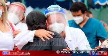 Entre aplausos y música de mariachi, despiden en Matamoros a enfermero que murió de Covid - Hoy Tamaulipas