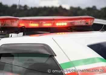 Homem de 27 anos é agredido com pedaços de madeira em Indaial - O Município Blumenau