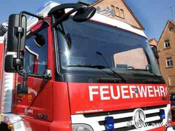 Feuerwehr löscht Heckenbrand in Remshalden-Geradstetten - Blaulicht - Zeitungsverlag Waiblingen