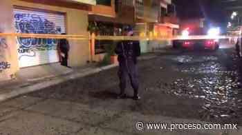En ataques simultáneos incendian dos casas en Celaya y dejan narcomensaje - proceso.com.mx
