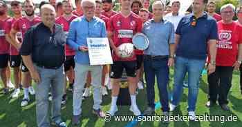 Meisterschaftsfeier des FV Eppelborn mit Vorstellung Neuzugängen - Saarbrücker Zeitung