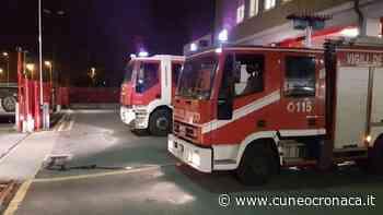 MONDOVI'/ Vecchia auto prende fuoco nella notte: intervento di vigili del fuoco e carabinieri- Cuneocronaca.it - Cuneocronaca.it