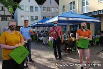 Neustart in der City – Bürgermeister übergibt Ehrenamtskarten: Der Abendmarkt ist zurück - Westfalen-Blatt