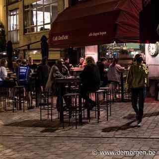 Op café voordat de Antwerpse avondklok ingaat: 'Genieten, nu het nog kan'