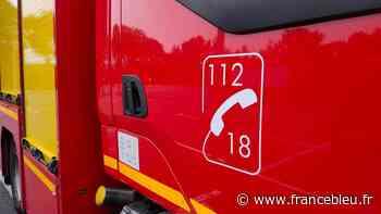 Pays de Sarrebourg : un entrepôt de 2.000 m² d'une entreprise d'apiculture ravagé par un incendie - France Bleu