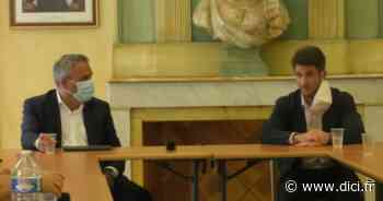 Alpes de Haute-Provence : en visite à Manosque, Xavier Bertrand évoque le livre de Nicolas Sarkozy et lui rend hommage - D!CI