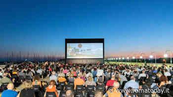 """Il Cinema in piazza, """"Chiedimi se sono felice"""" conMassimo Venier a Ostia"""