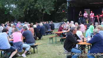 Tolle Atmosphäre in Alsdorf: Dancing Band Sunshine lässt Besucher strahlen - Rhein-Zeitung
