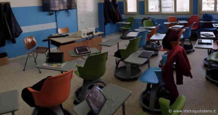 Rientro a scuola, i numeri non tornano: i presidi hanno chiesto meno banchi ma molte più sedie di quelle messe a gara