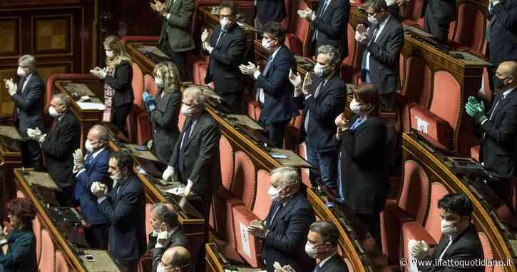 Scostamento di bilancio e piano di riforme, la maggioranza è compatta: 170 sì al Senato. Il centrodestra si astiene