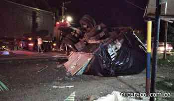 Se volcó camión en Luruaco al parecer por una falla mecánica - Caracol Radio