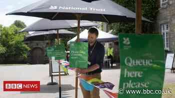 National Trust plans 1200 job cuts - BBC News