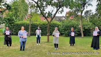 13 Elterbegleiterinnen erhalten in Peine ihre Zertifikate - Peiner Nachrichten