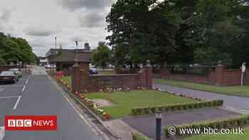 Coronavirus: Blackburn police self-isolating after retirement do - BBC News