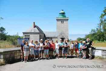 Autretot. Les randonneurs ont découvert Dieppe et Vasterival - Le Courrier Cauchois