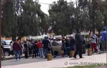 Colonos de #Zumpango bloquean carretera por falta de luz - DigitalMex