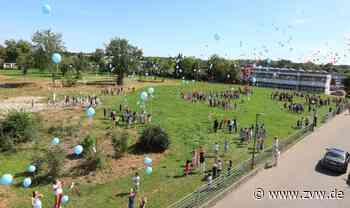 1000 Ballons als Zeichen der Hoffnung der Schülerinnen und Schüler in Welzheim - Welzheim - Zeitungsverlag Waiblingen