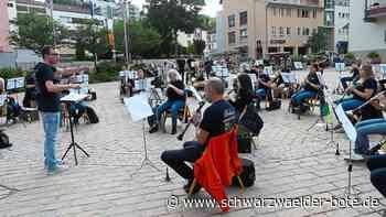 Furtwangen: Stadtkapelle gibt Open-Air-Konzert auf dem Marktplatz - Furtwangen - Schwarzwälder Bote