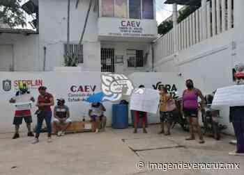 Manifestación en CAEV de Nanchital; llevan 25 días sin agua - Imagen de Veracruz