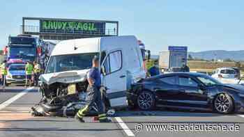 Drei Verletzte bei Unfall auf A5: Hoher Sachschaden - Süddeutsche Zeitung