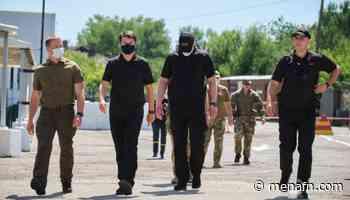 Ukraine- Razumkov visits Maiorske checkpoint in Donetsk region - MENAFN.COM