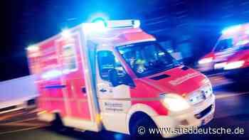 28-Jähriger bei Unfall mit geparktem Lkw schwer verletzt - Süddeutsche Zeitung